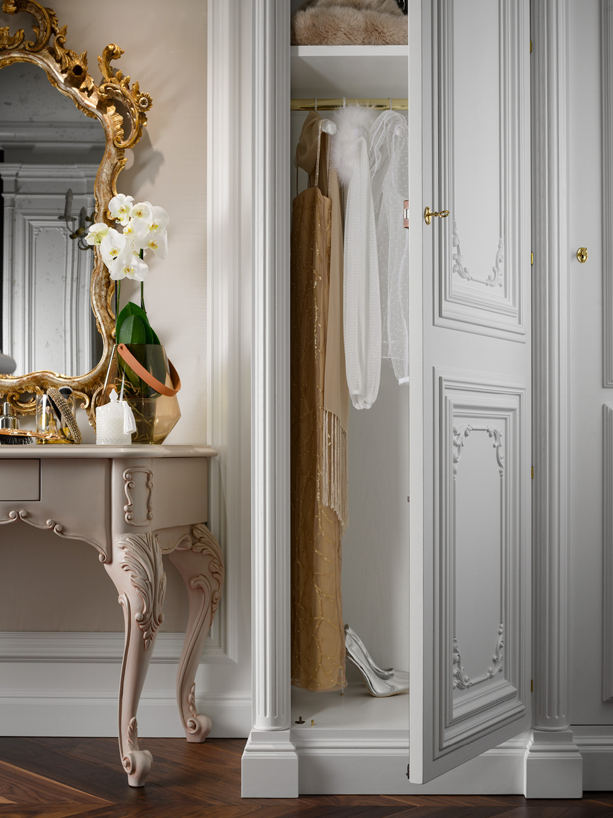 Detail on interior for long clothing hanger