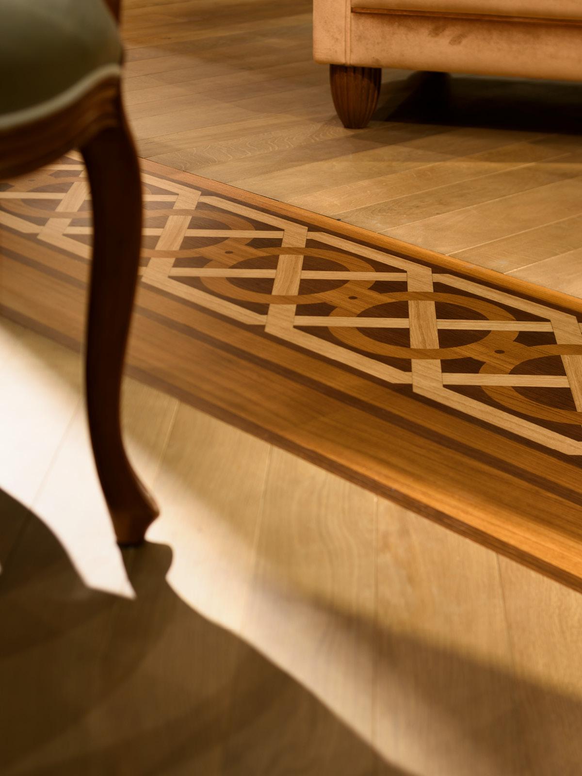 Inlay detail in flooring