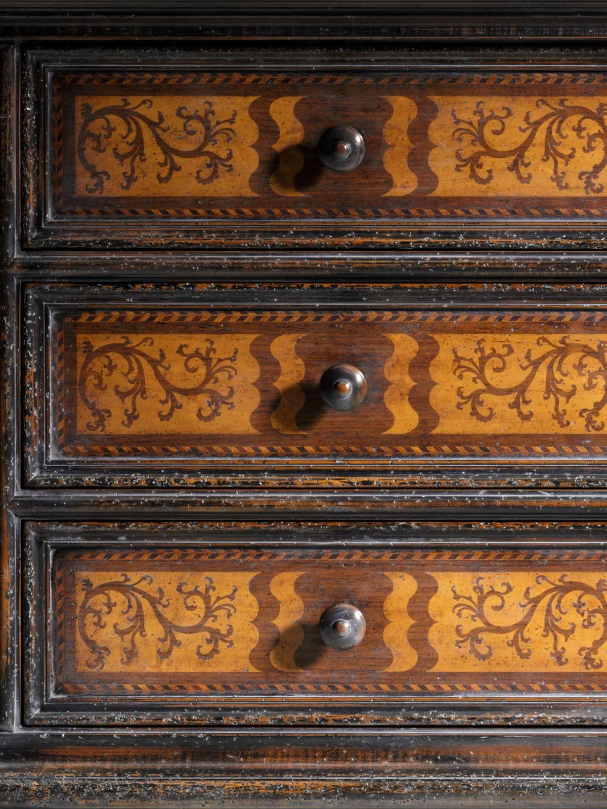 Chest Mod. 671 – 158 x 60 h 107 cm